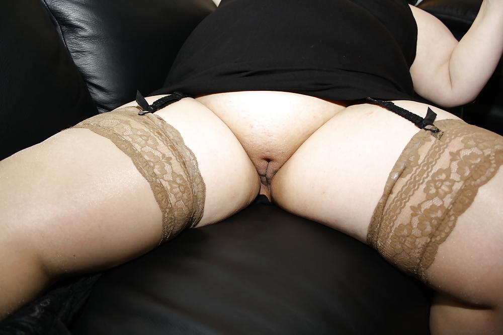 Mature upskirt porn pics