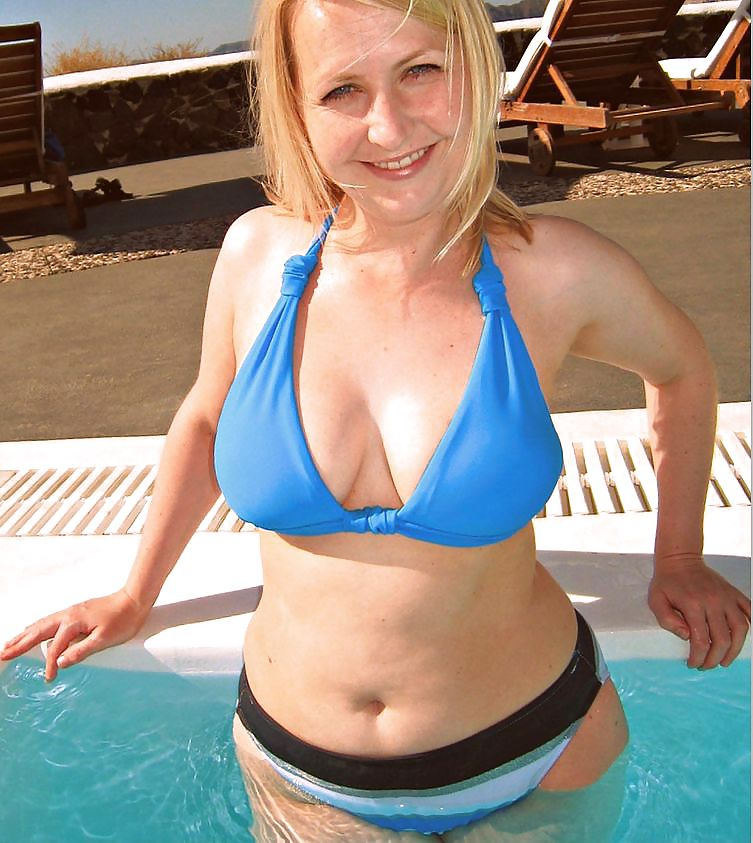 Big nude blonde