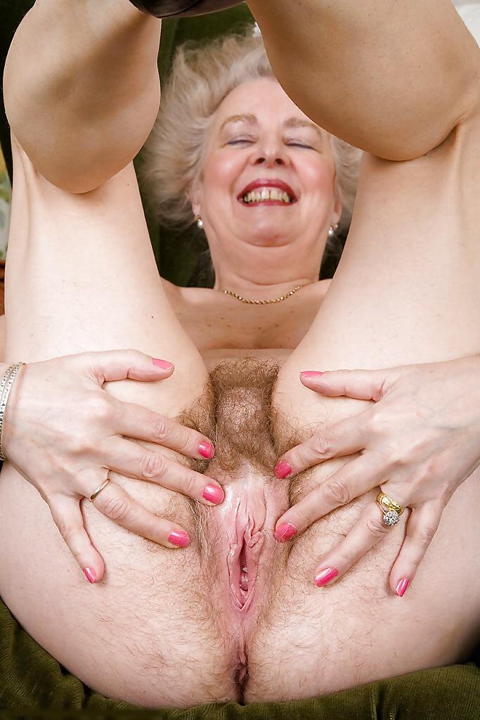 Бритые старушки в порно фото