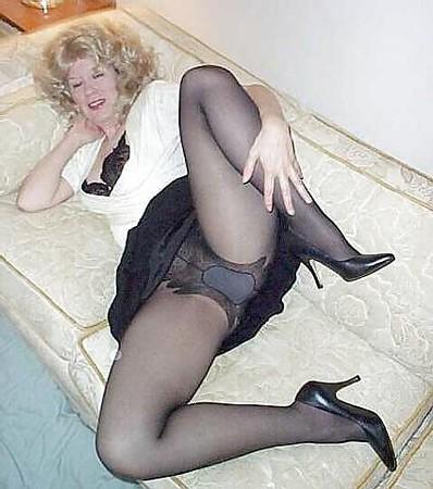 Free pantyhose mom photos