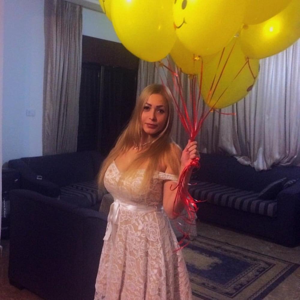 Busty Russian Woman 3673 - 18 Pics
