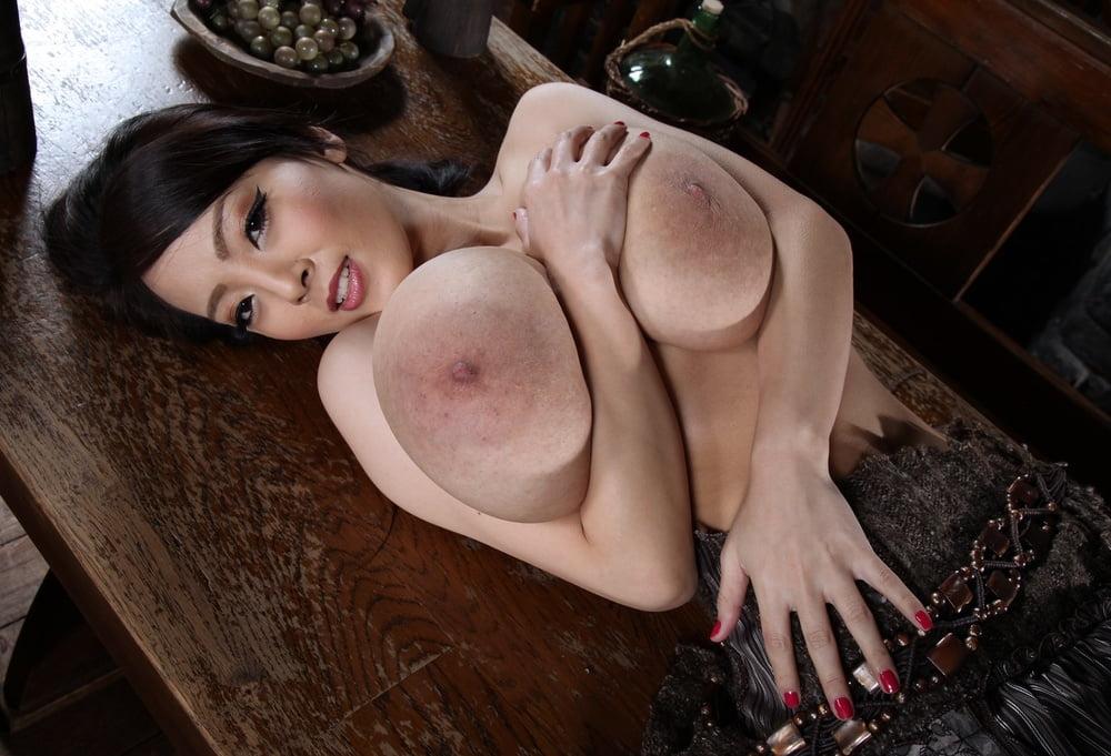 Hitomi Tanaka Huge Tits