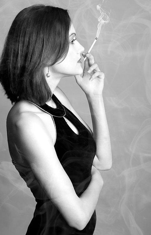 Malayali ladies smoking photos — photo 10