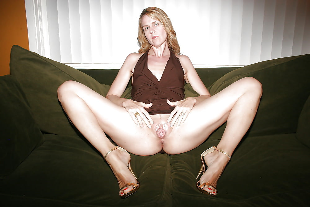 mature-spread-wife-boobs-lesbian-sex