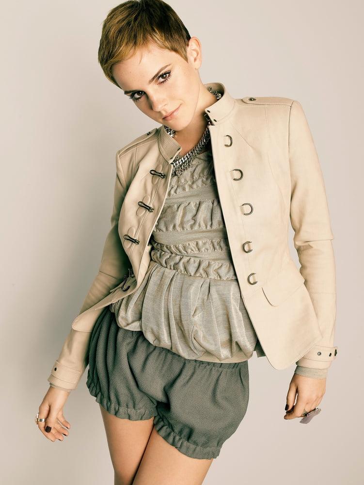 Sexy Emma Watson - 12 Pics