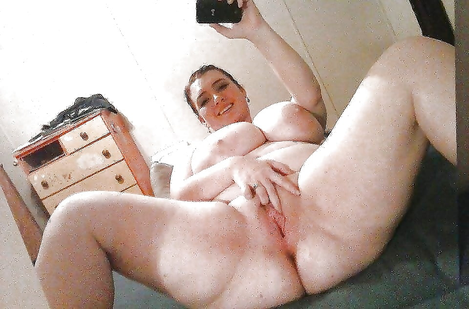 bbwpussy-selfie-squirting-girls-naked-gifs