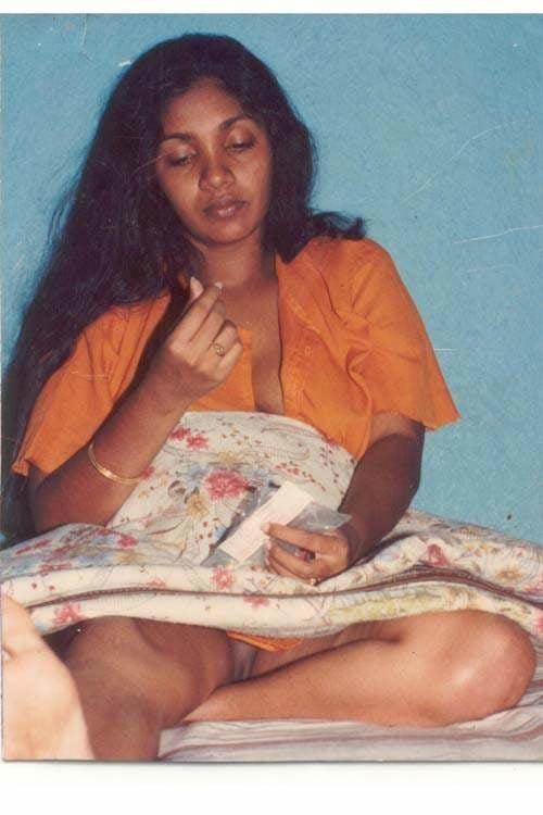 Srilankan naked actress, teen girl masterbate pic