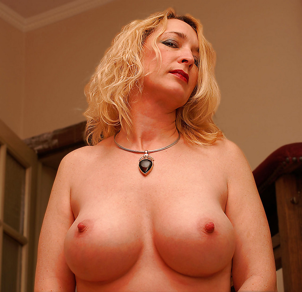 big-naked-cougar-titties-agressive-sex-position