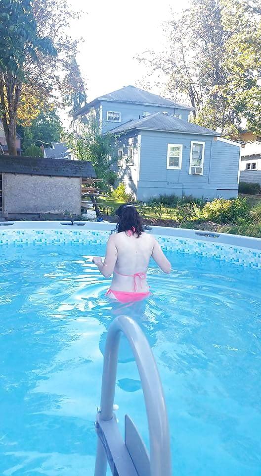 Brunettes in bikini