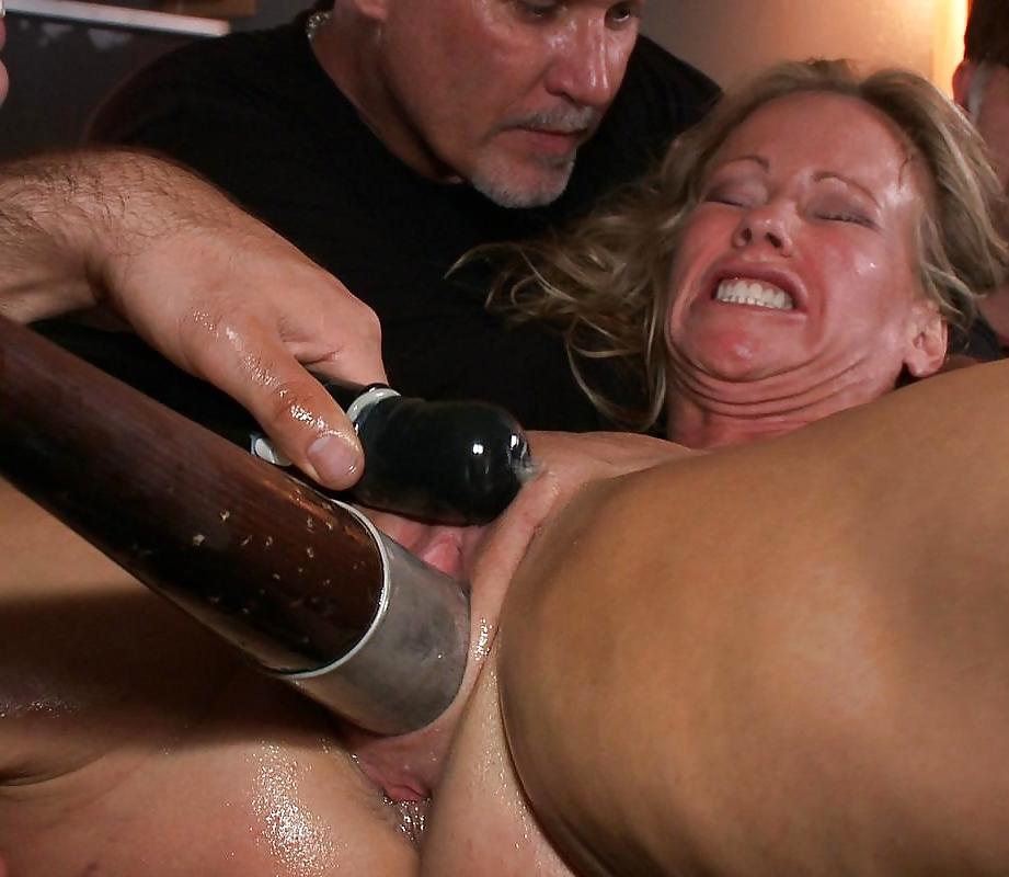 женщин ебут они обсыкаются и падают от бессилия порно видео - 11