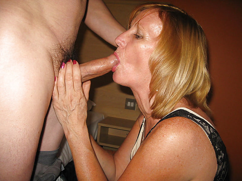 Horny mature swallows stranger's sperm after amazing blowjob