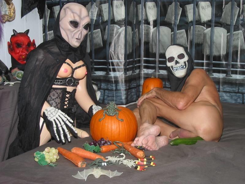 Rob zombie halloween picture nude scenes