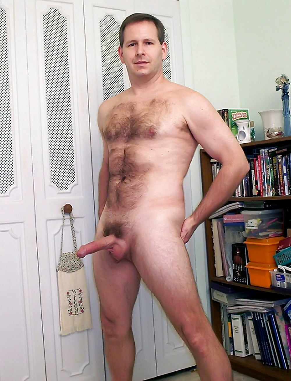 Buff naked guy selfie