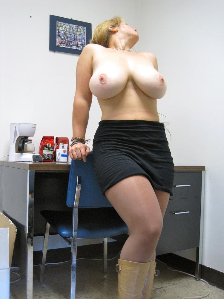 anal-sex-huge-tits-in-tight-black-miniskirt-wife