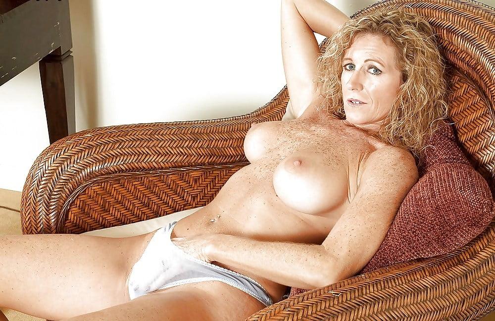 Cougar naked freckled — pic 2