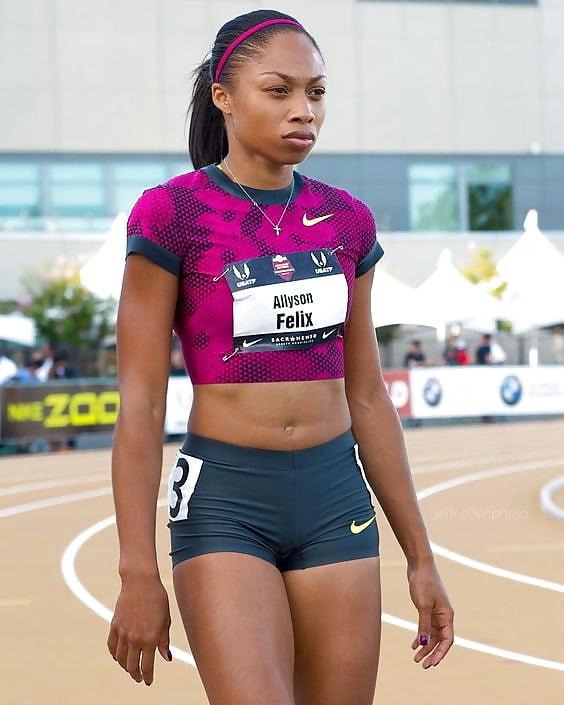 Hot female black athletes — pic 15