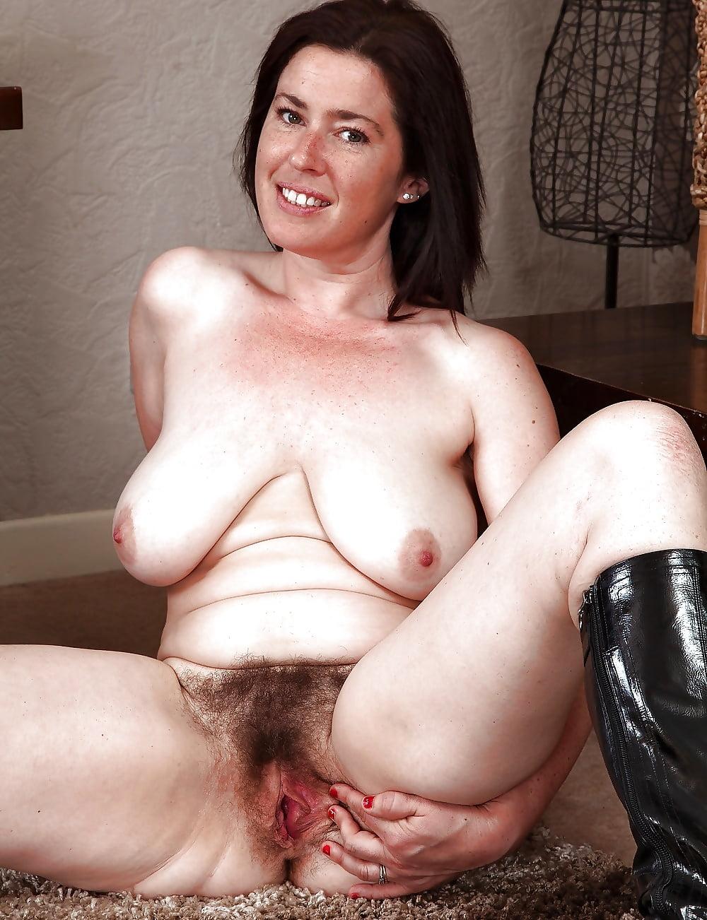 Порно фото зрелые натуралки волосатые