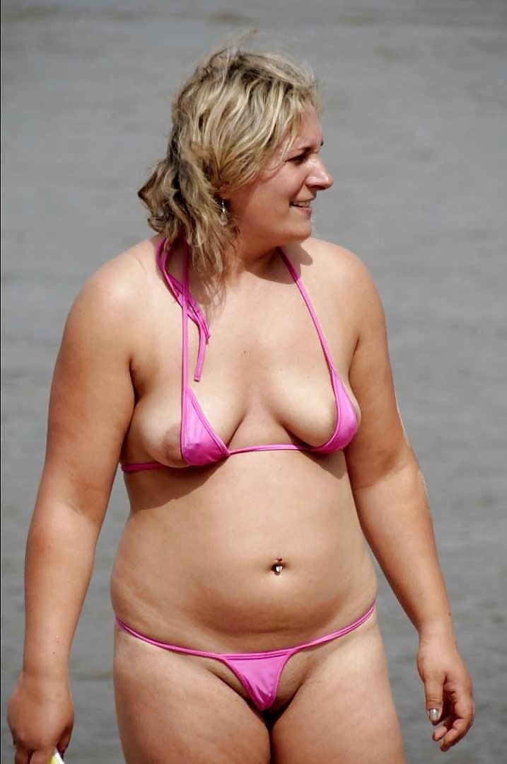 bikini Chubby girl