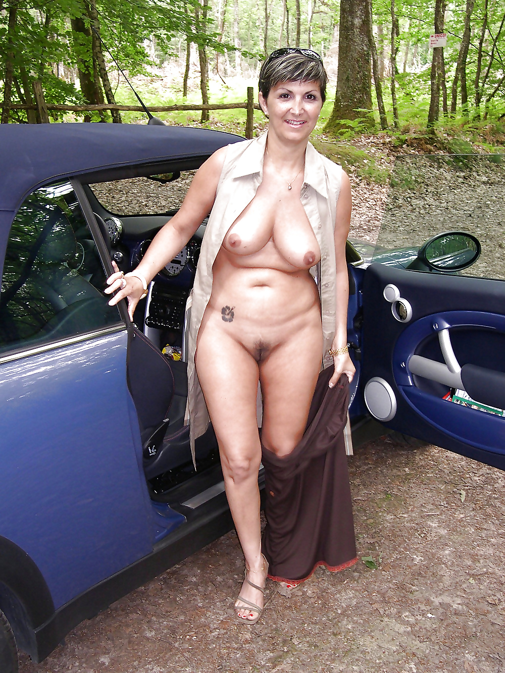 mature-naked-woman-in-public-paula-melo-sex