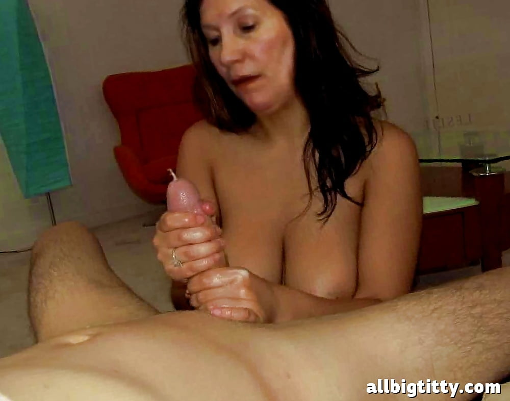 nude-girl-hand-job-moving-picture