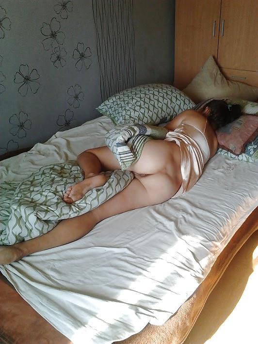 подглядывание спящих девушек начал получать удивление