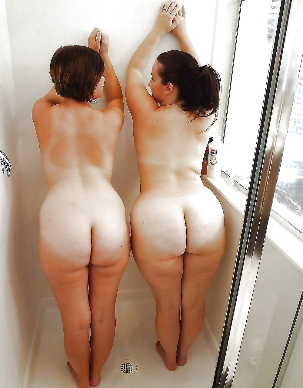 nude-sisters-ass-hot-joely-fisher-breasts