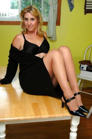 hotlegs-all solo amateur women 13
