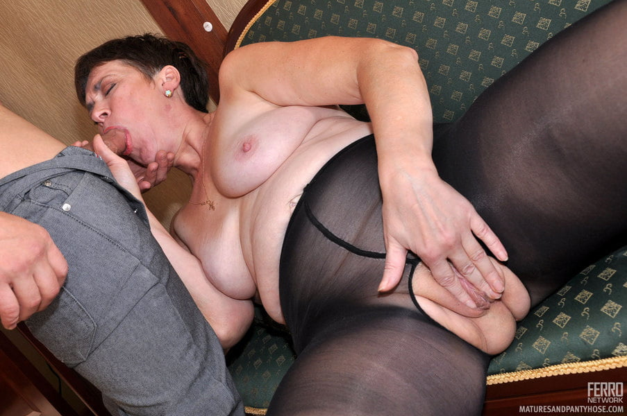 mom-pantyhose-videos-asshole-lick-pussy-torture-close-up