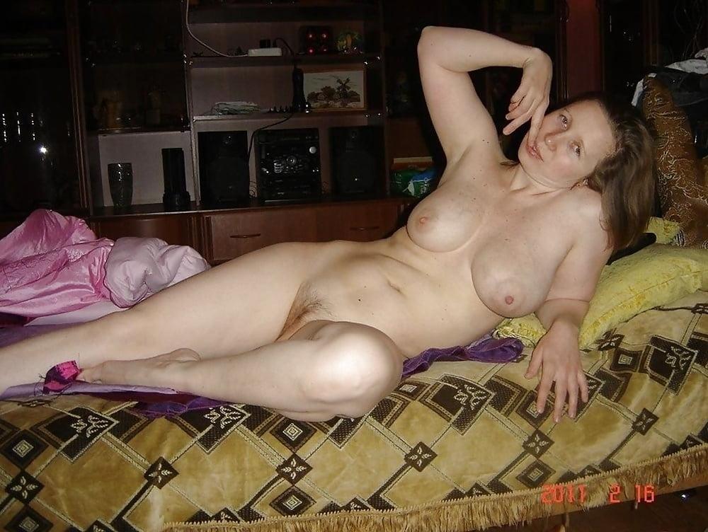 Домашний архив эротические фото деревенские, пока один спит трахается с другим