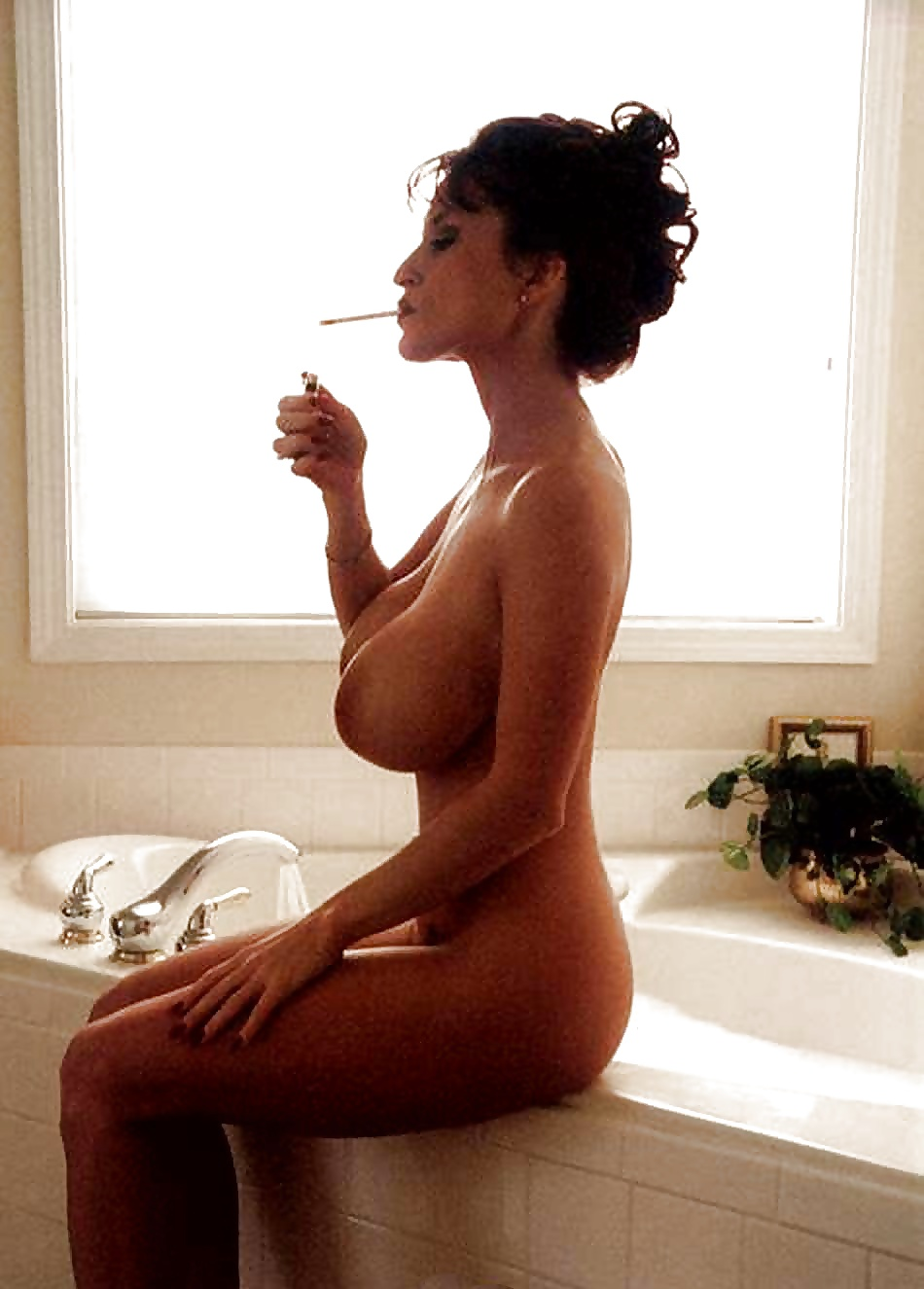 Big boobs and smoking — pic 3