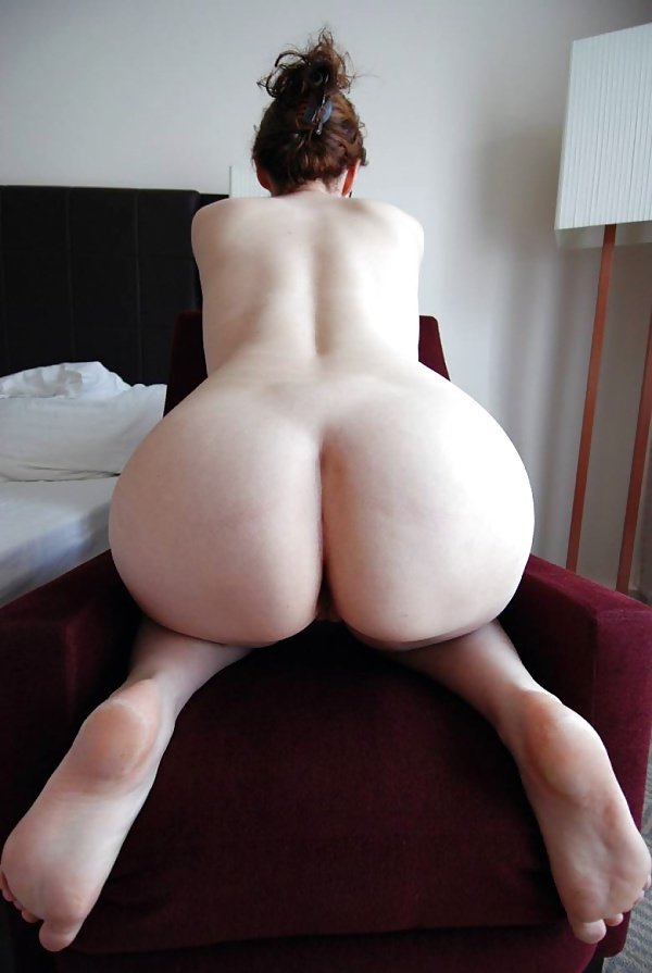 White booty nude, most naked and sexy slave in the world