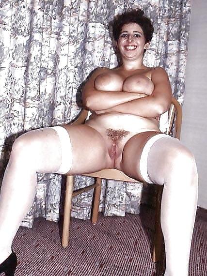 Amateur mom saggy tits