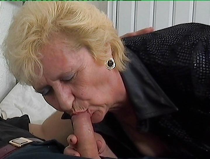 Old granny still loves to suck