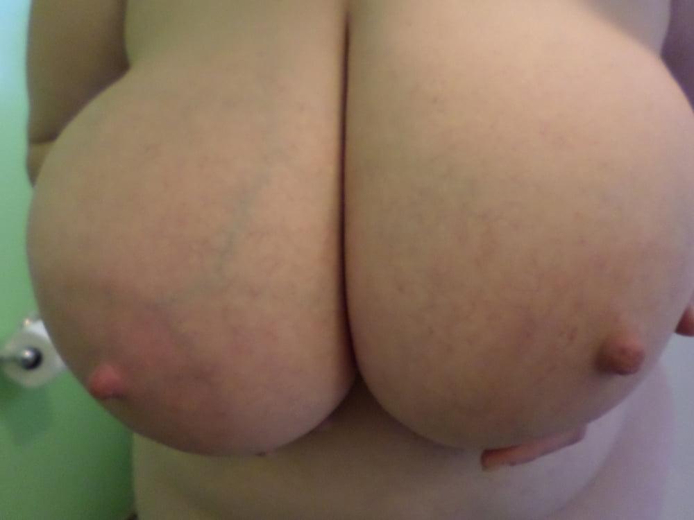 Natural boobs threesome-1989