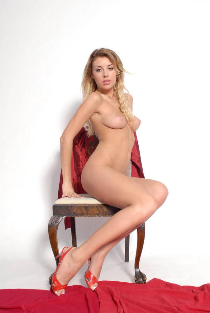 Albina B