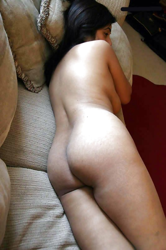 Desi porn shy pakistani girl caught naked in ther bedroom