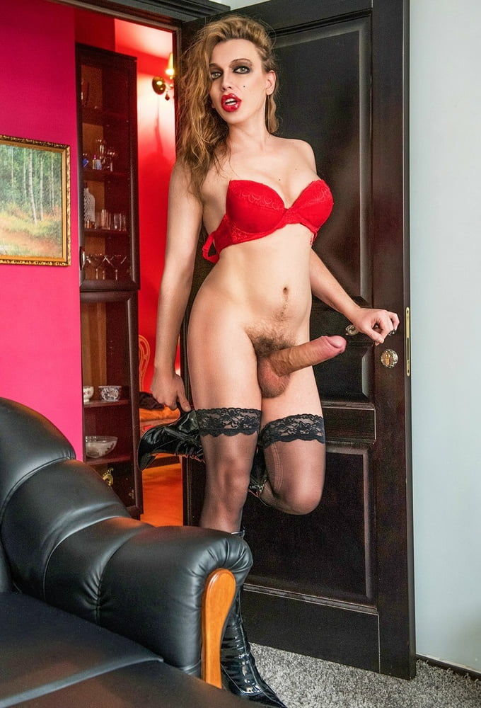 Russian shemale porn photo