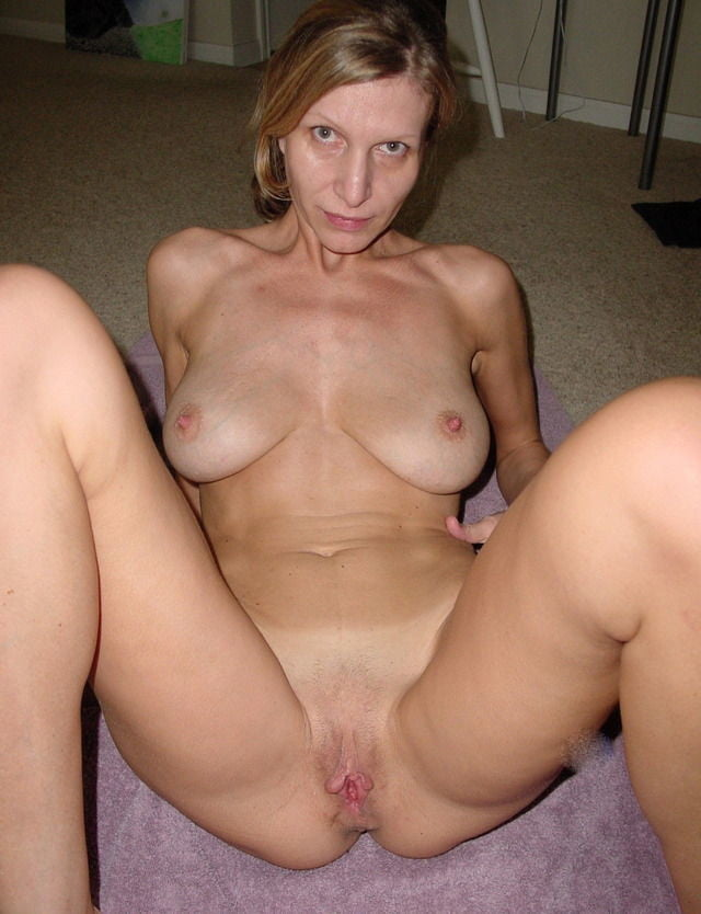 Milf lesbian sex gallery