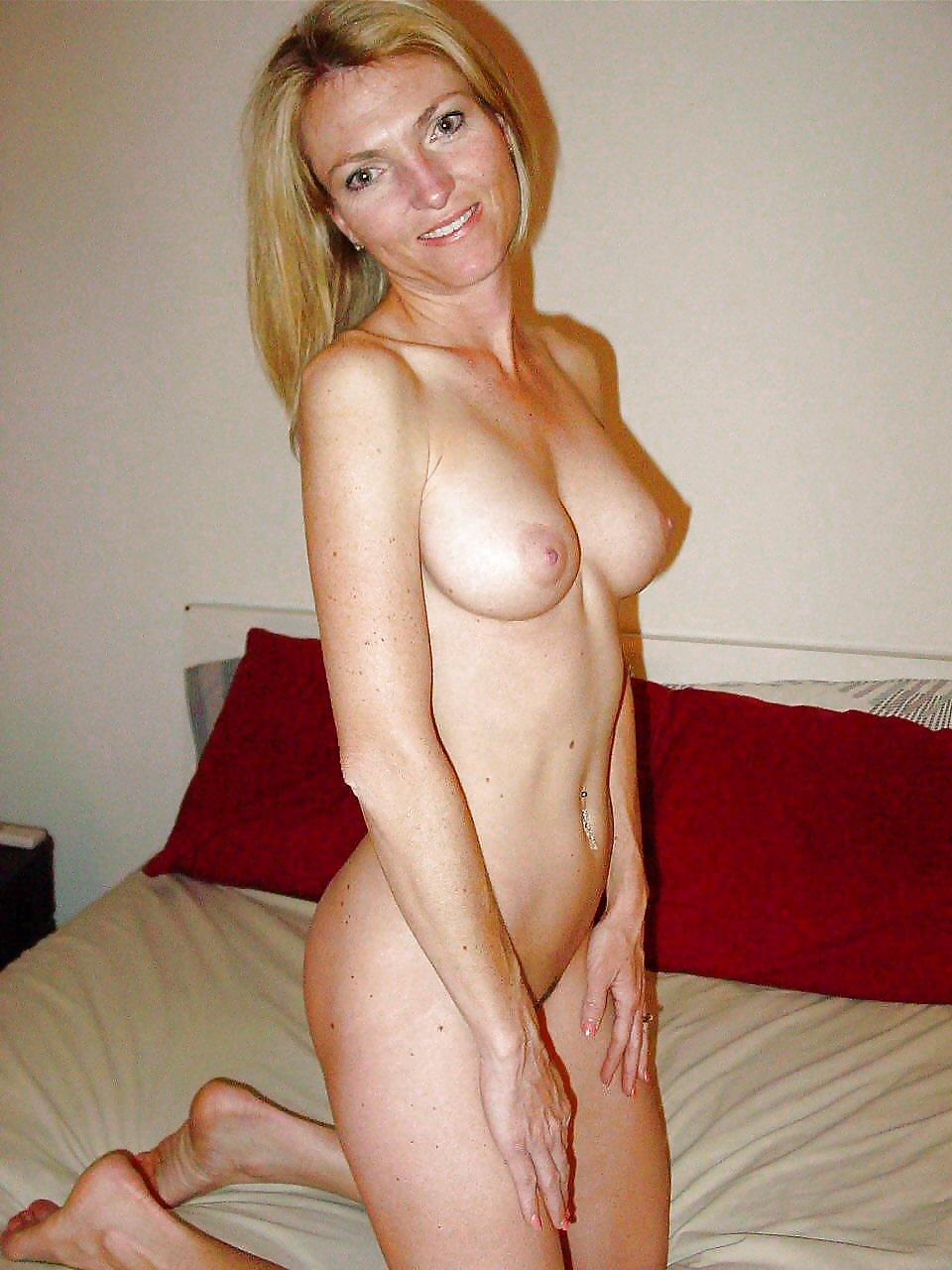 sex-young-sexy-nude-milfs