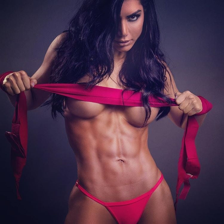 Girls with abs are sexy