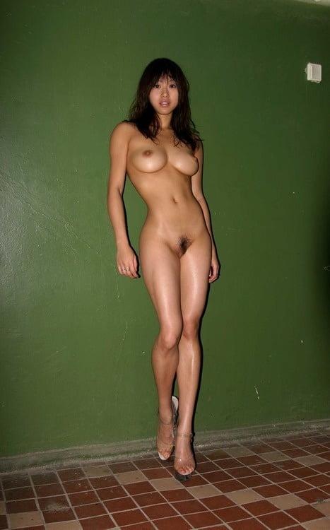 Tall women nudes #13