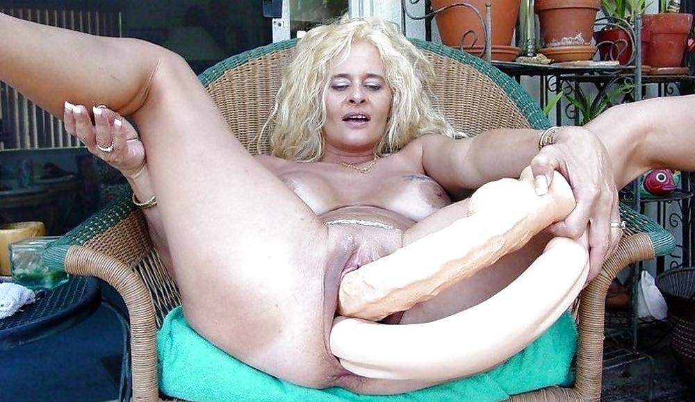 Huge creamy dildo granny
