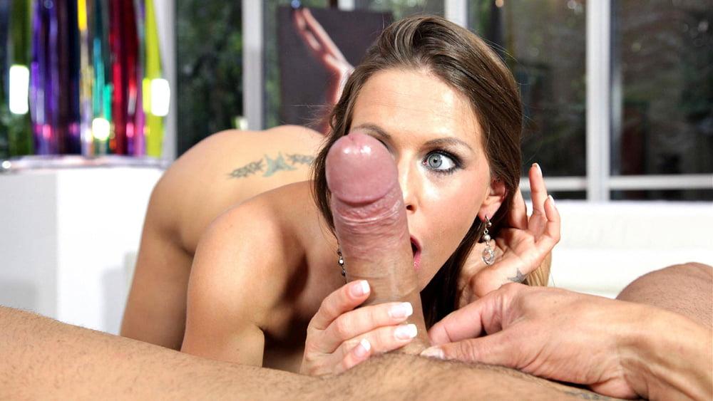 Horny Babe With Charming Blue Eyes And Big Boobs Rachel Roxx Nsfwonsnap 1