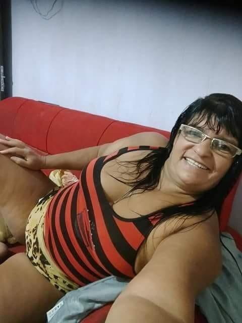 Casadas gostosas facebook_100 mix - 27 Pics