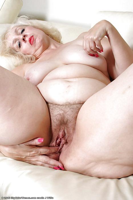 Teenage daughter nude self pic