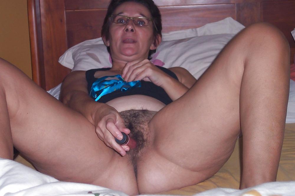 Videos of tittie milking milfs