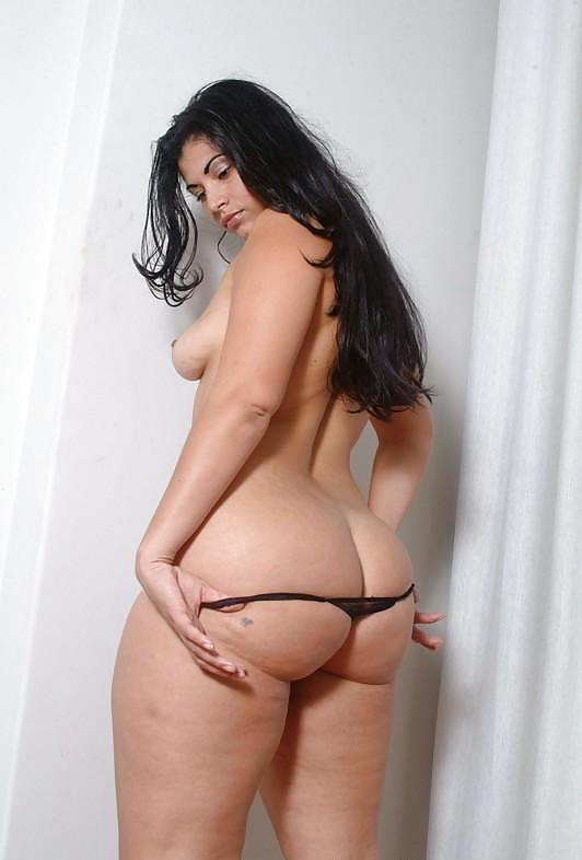 curvy-latina-girls-naked