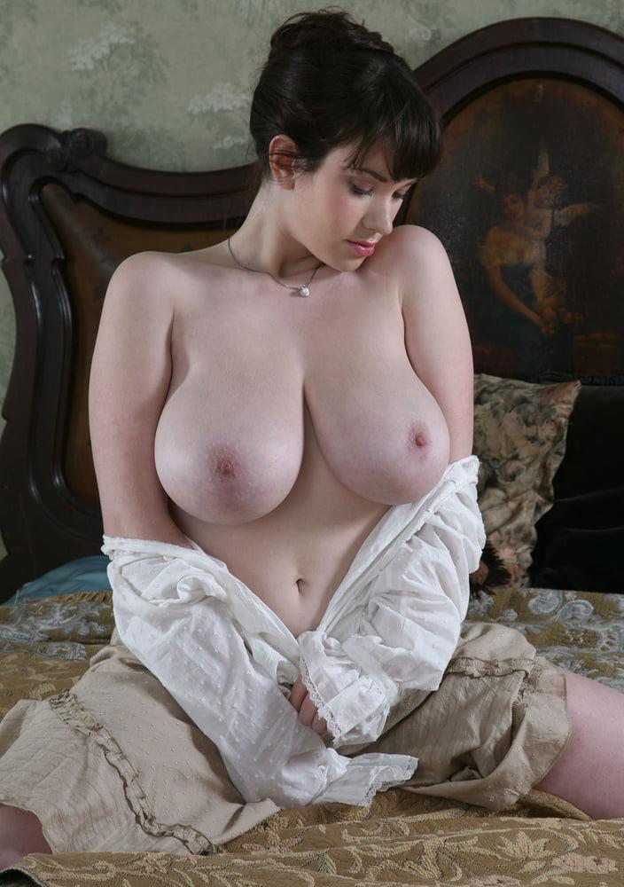 Big Boobs Anna - 46 Pics