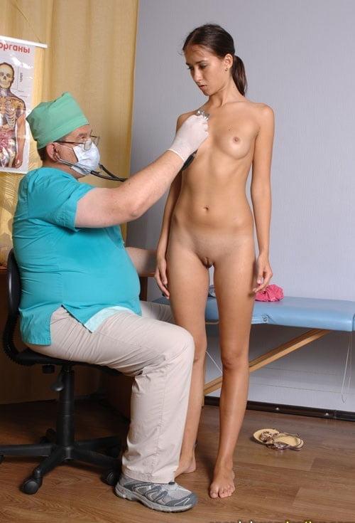медосмотр красивой девушки видео эротика - 12