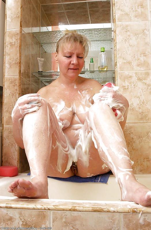 Фото старушек в ванной зрелые